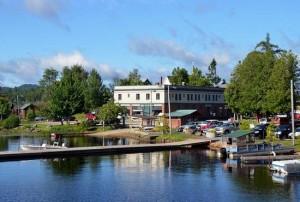raquette-lake-village
